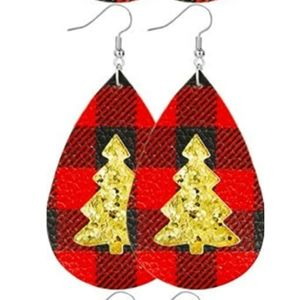 Jewelry - 🆕Gold Glitter Buffalo Plaid Christmas Earrings